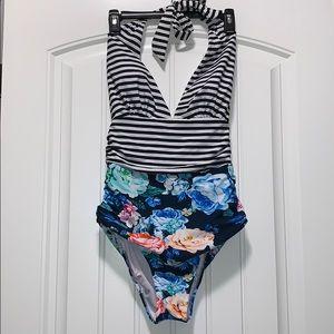 Cupshe Halter Swimsuit 😍